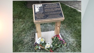 Plaque unveiled at Westfield park as tribute to teens who died in plane crash