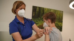 More data arises on link of COVID-19 vaccinations, heart illness in young people