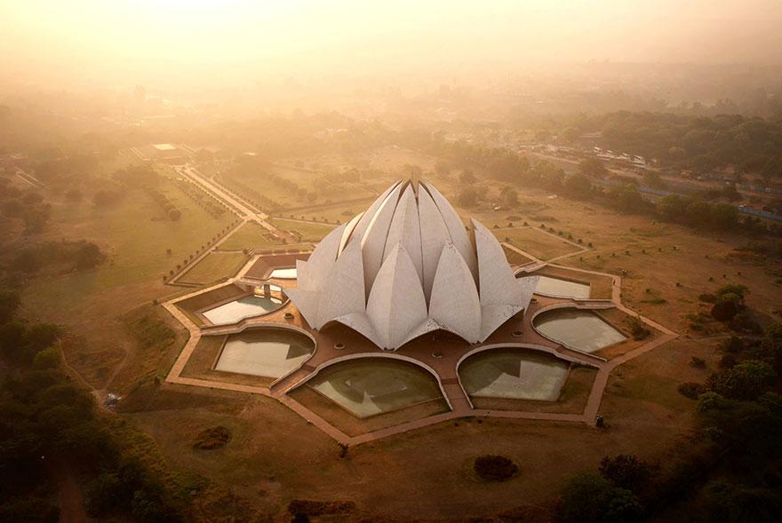 Le Temple du Lotus à New Dehli (Inde) Photo : Amos Chapple