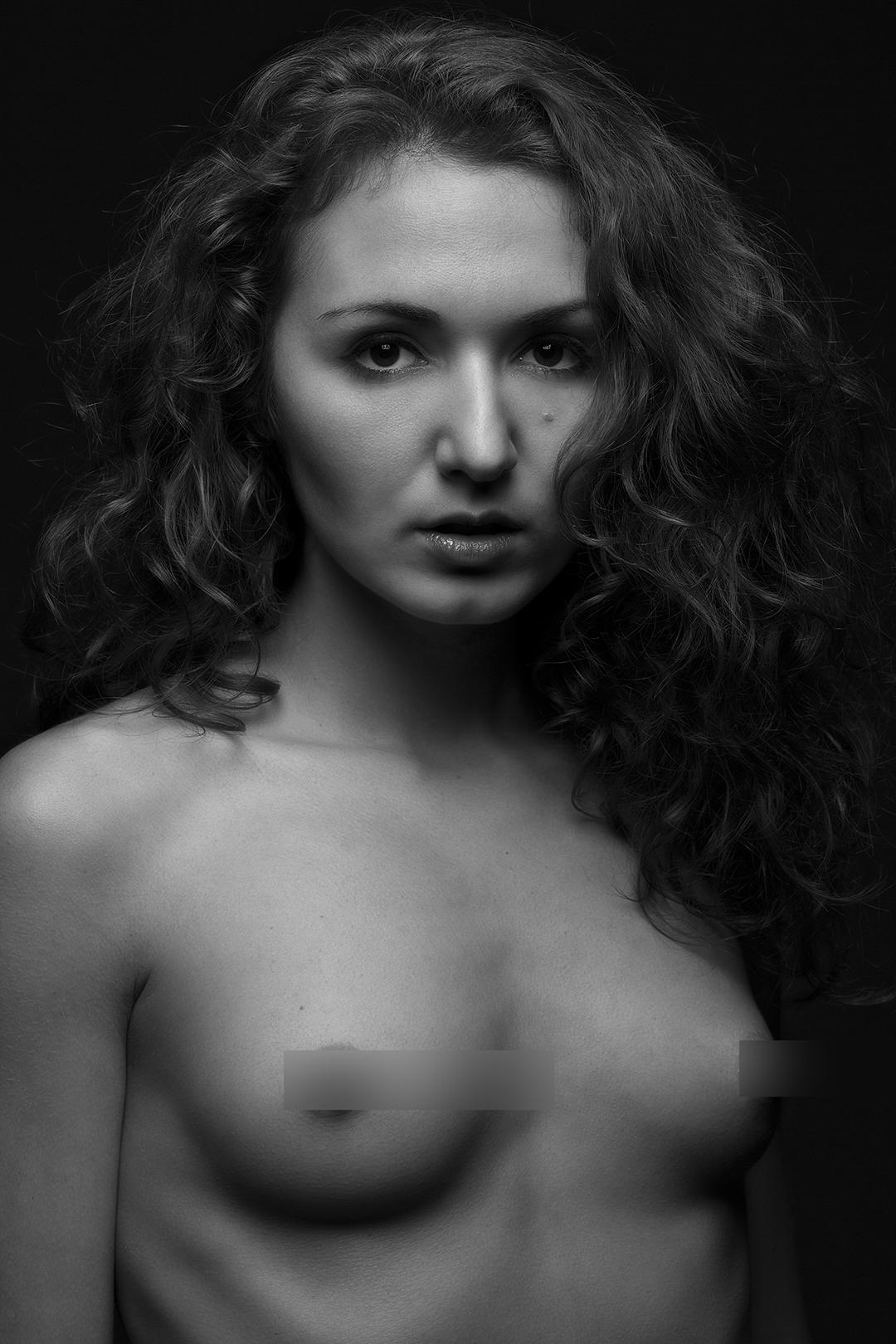 Zoe West-26
