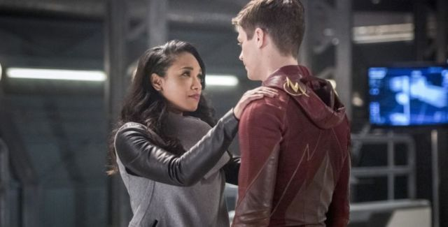 Team Flash has one last plan up their sleeves to save Iris West, and it involves the assistance of Captain Cold.