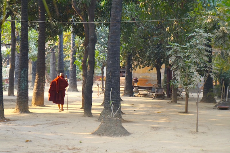 Mandalay Myanmar – A Hot and Dusty Trip