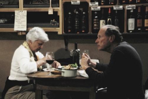 señores comiendo en La Prosciutteria