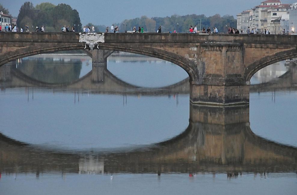 Ponte Santa Trinità - day