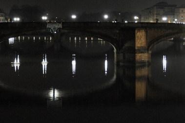 Ponte Santa Trinità - night