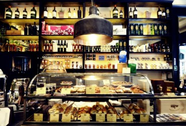 Procacci, wine and truffles since 1885 in Florence