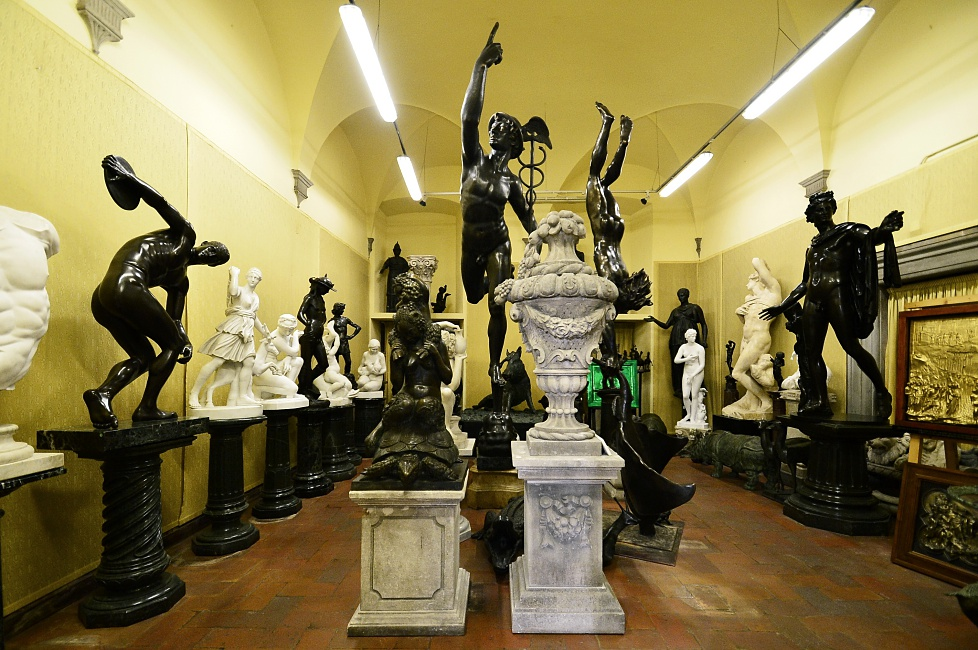 Galleria Frilli, the legendary studio and sculpture gallery of Florence