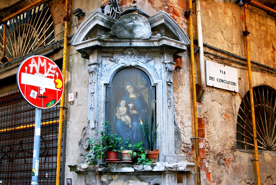 Tabernacles: religious street art in Florence