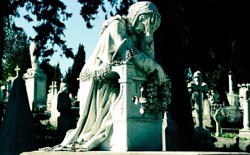Cimitero degli Inglesi in Florence: memento mori