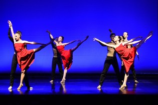 """Lyric Dance Company presents """"PIAF. Hymne à l'Amour"""" at the Puccini Theater in Florence"""