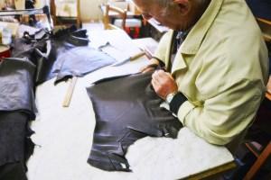Madova Gloves Factory - Via de' Guicciardini 1R, 50125 Florence
