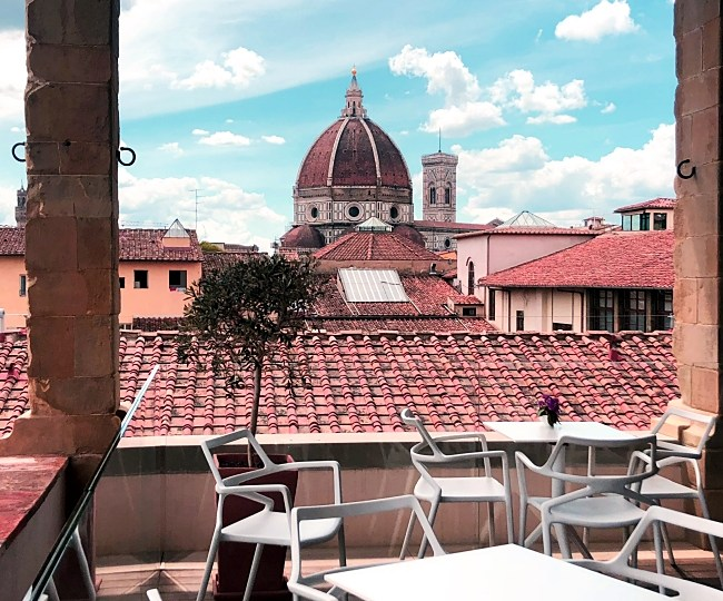 I have a date at Caffè del Verone in Florence