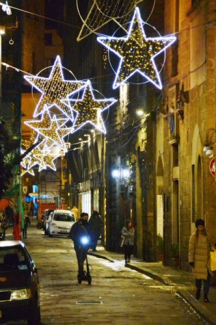 Streets of Florence at Christmas time - Borgo Santo Spirito