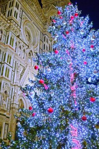 Streets of Florence at Christmas time - Duomo