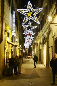 Streets of Florence at Christmas time - via del Corso