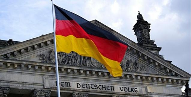 Coronavirus lockdown pushes Germany into recession