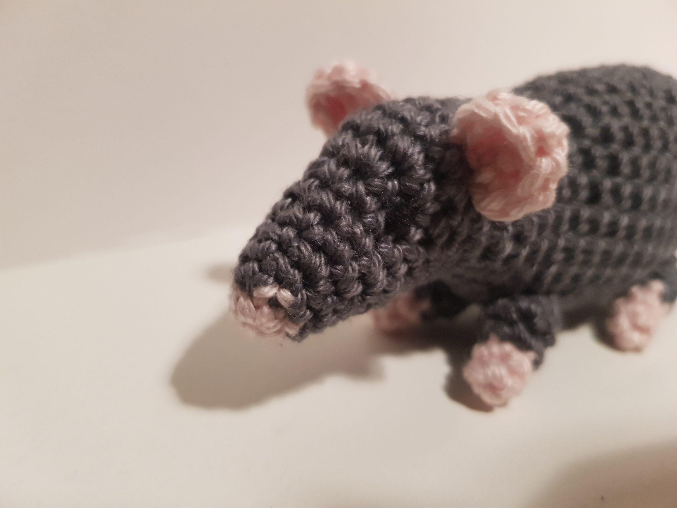 Amigurumi Crochet Rat Bookmark | Hæklemønstre, Hæklet amigurumi ... | 1920x2560