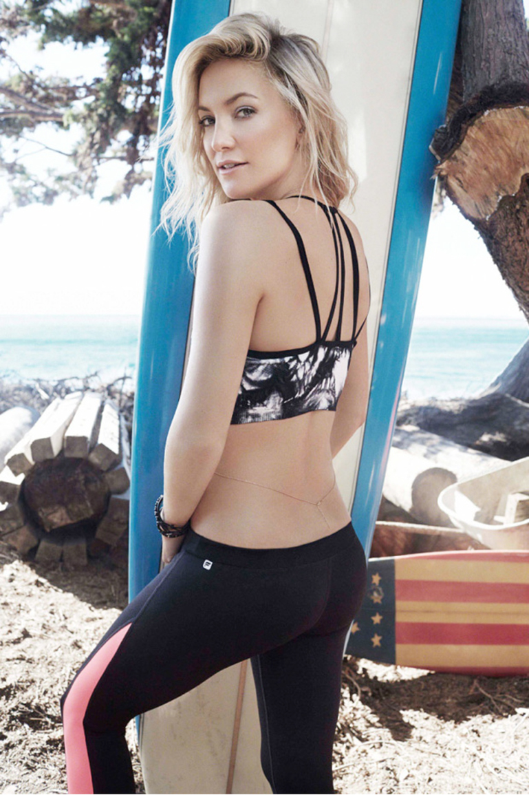 Kate-Hudson-Fabletics-surfboard
