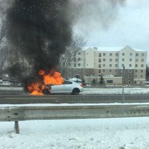 car on fire 90e_524418