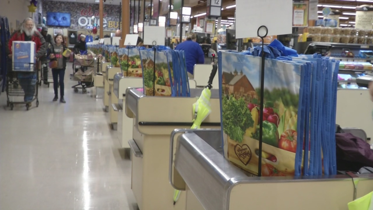 Wegmans_wants_you_to_trade_in_your_plast_0_20190426223355