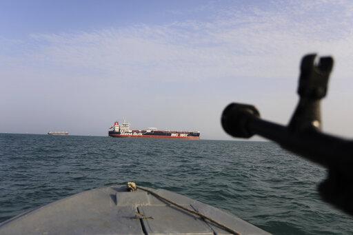 New video from Iran shows Guard warning away UK warship