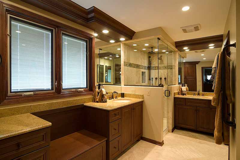 Small-bathroom-design-with-corner-shower