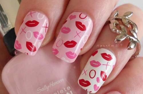 kisses nail design