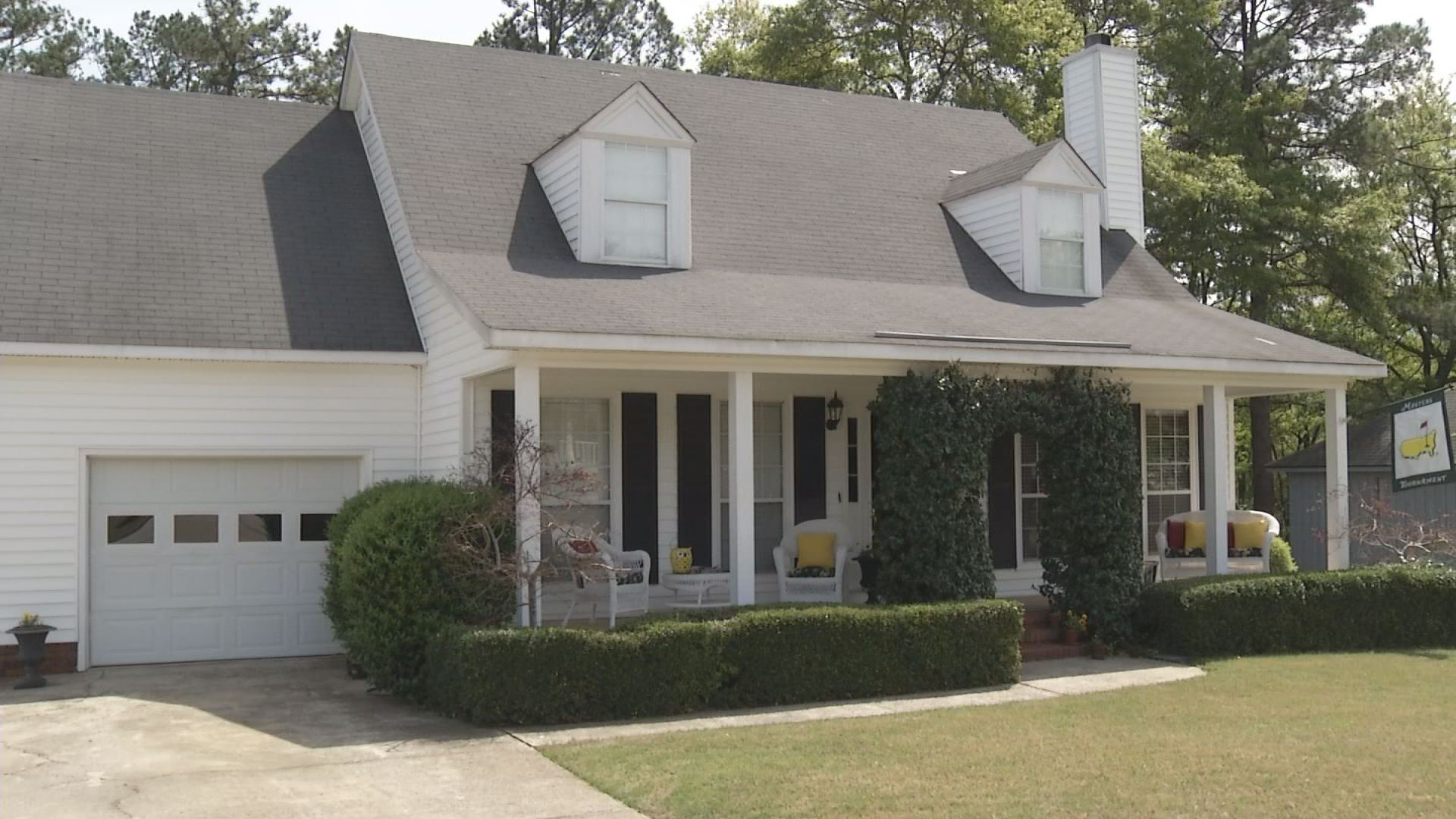 Just days before The Masters Tournament, rental companies say there are still plenty of homes available._132583