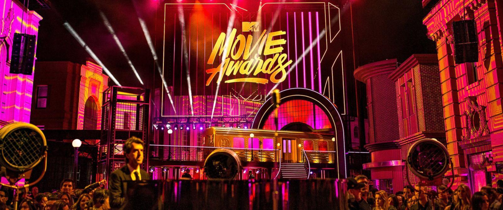 GTY-mtv-movie-awards-ml-170407_31x13_1600_245956