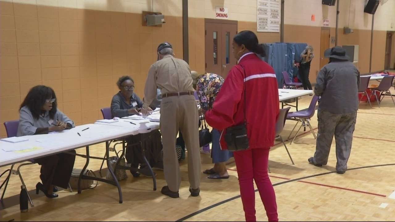 Lots_of_Augusta_voters_head_to_the_polls_0_20181106231402