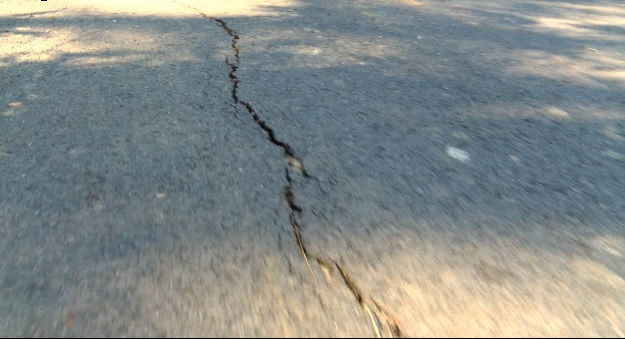 CRACKED ROADS_68416
