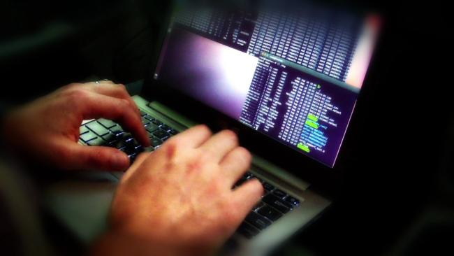 computer-virus-hacker_147792
