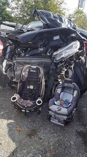 MOM'S VIRAL PHOTO OF CAR SEATS - CNN VIA WKRN_411089
