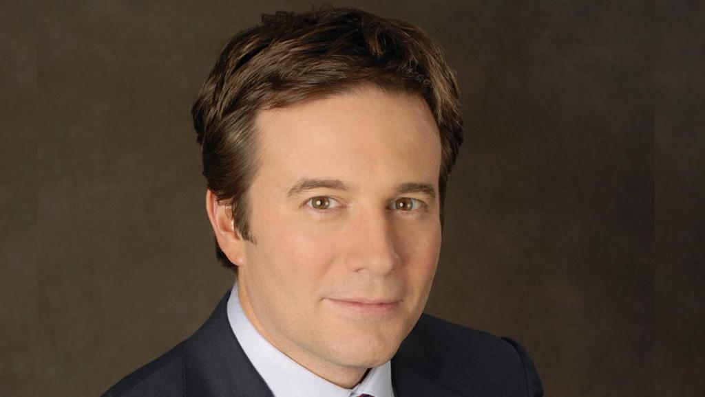 Jeff Glor - CBS Evening News Anchor_425190