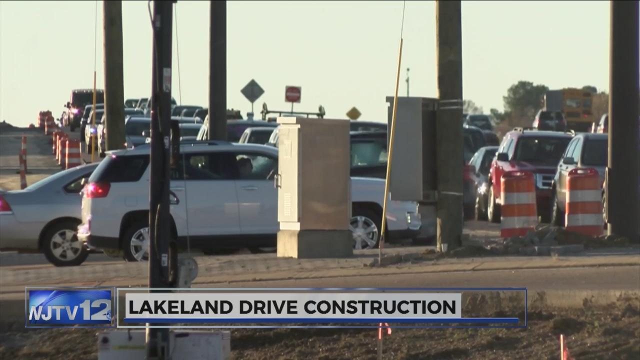 Lakeland Drive construction_110940
