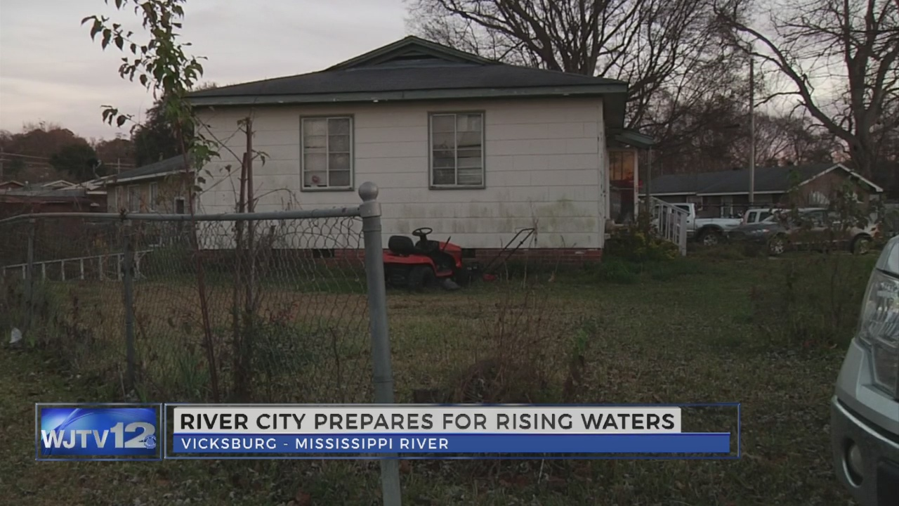 Vicksburg resident not worried about flooding_121194
