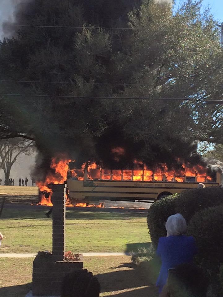 school bus fire 1_138622