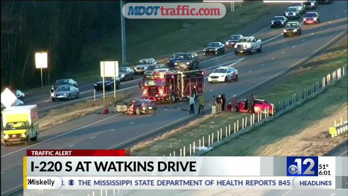 Crews respond to crashes on I-220 in Jackson