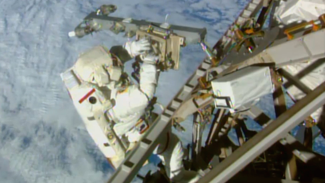 Space Station Spacewalk_126190