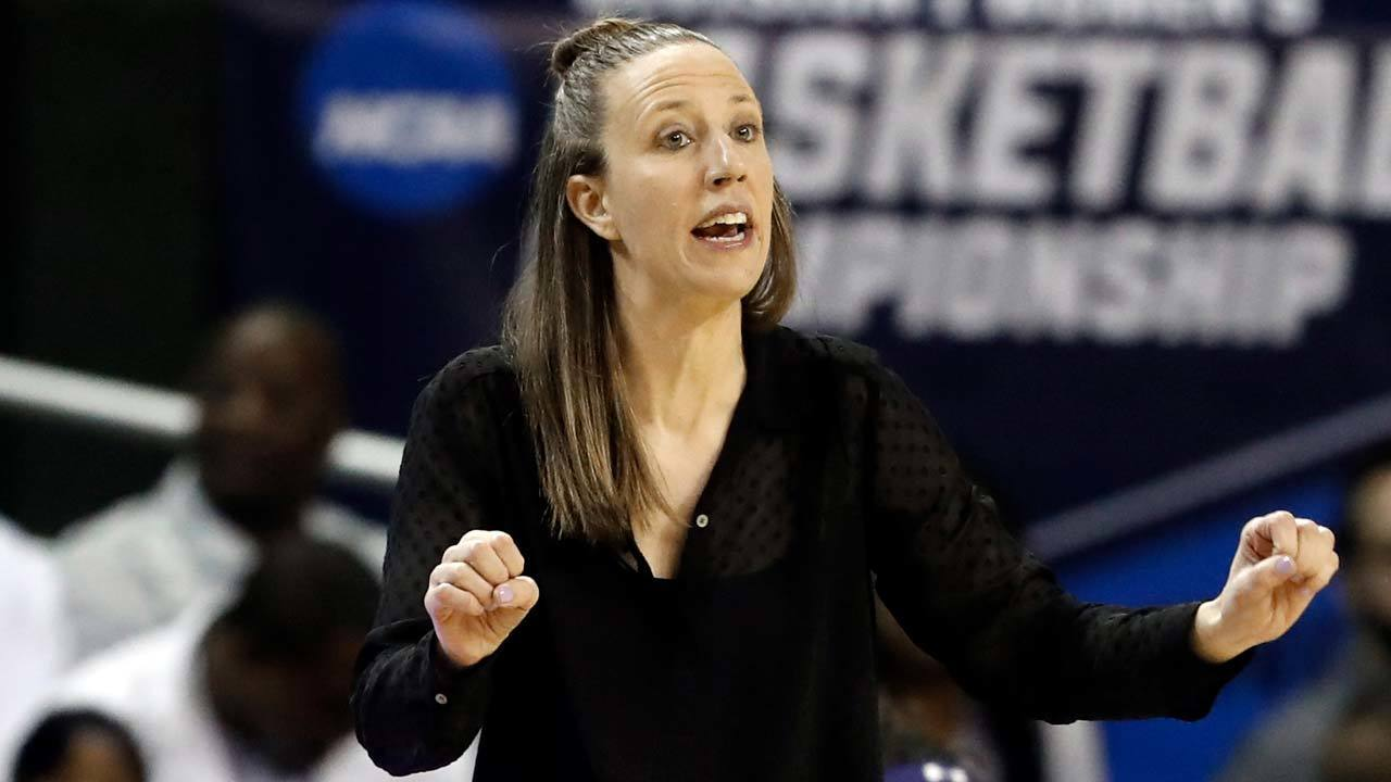 Cavaliers hire women's collegiate head coach to NBA staff
