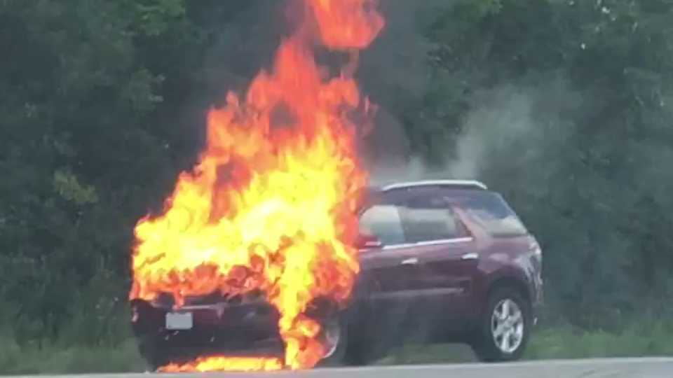 Route 11 car fire in Vienna