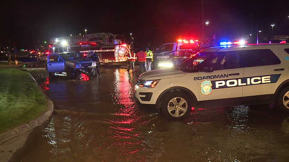 Truck hits fire hydrant on South Avenue in Boardman