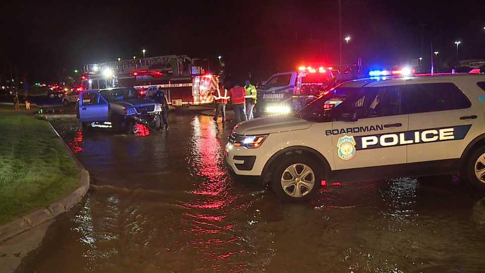 Truck hits fire hydrant on South Avenue in Boardman