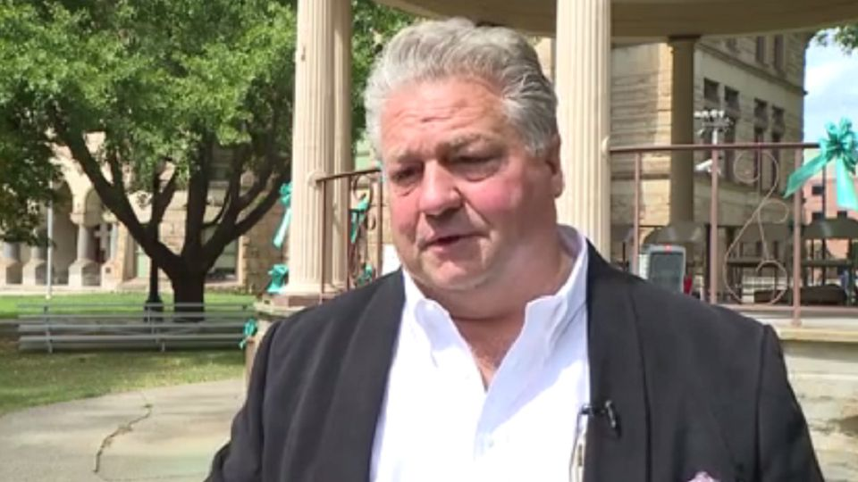 Trumbull County Commissioner Dan Polivka is speaking out about annexation plans in Niles.