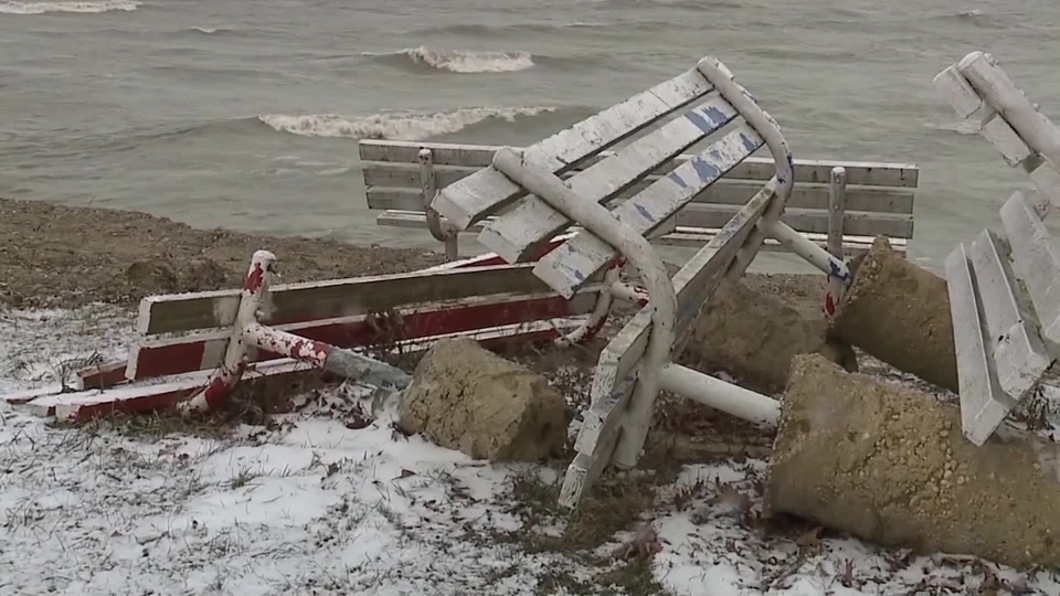 Lake Erie, Geneva-on-the-Lake erosion