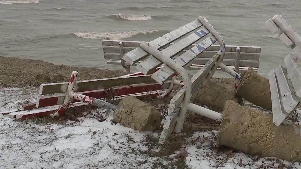 Lake Erie, Geneva-on-the-Lake erosion