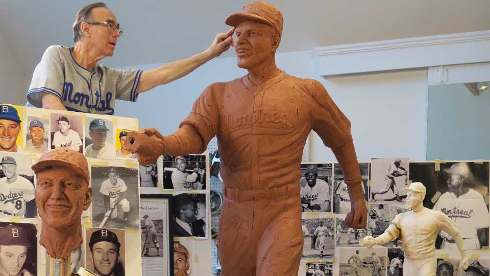 Robinson-Shuba handshake with sculptor.
