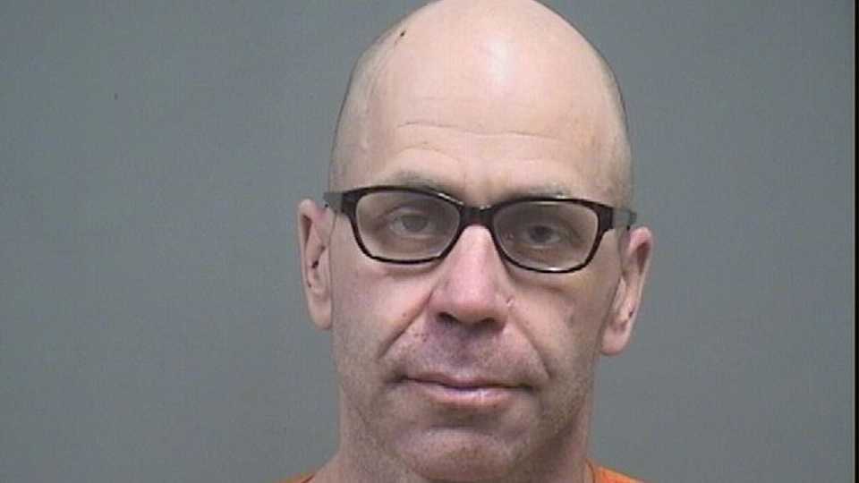 Robert Porter, IV, charged with bank robbery Austintown.