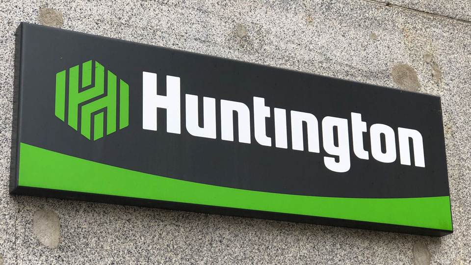 Logo of Huntington National Bank in Youngstown