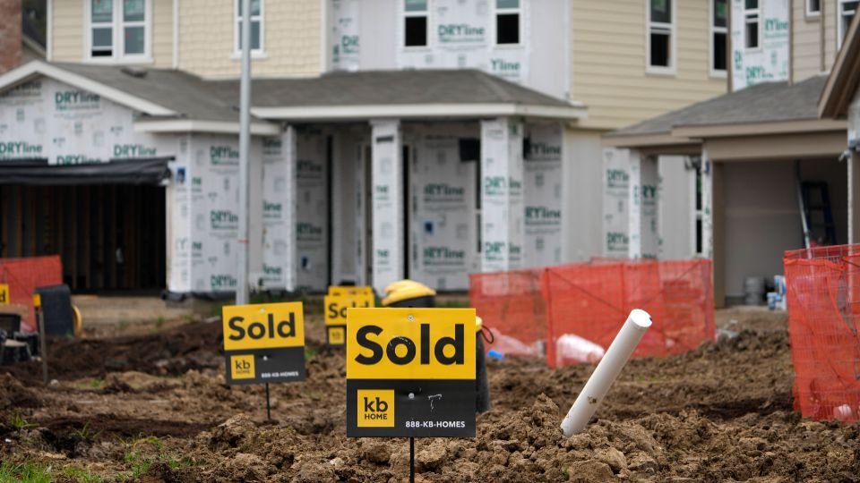 Sales of previously-occupied homes fell for the fourth straight month in May as soaring prices and a limited number of available properties discouraged many would-be buyers.
